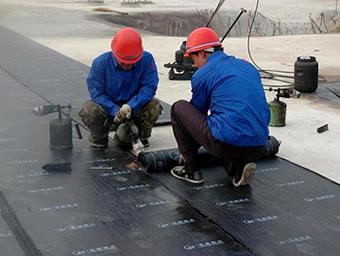 Venta de membrana asfaltica gravillada